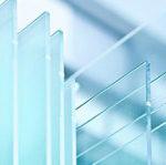 Mūsdienu durvju tehnoloģija ļauj iegūt siltumizolāciju un trokšņu aizsardzību pateicoties arī atbilstošām stiklu paketēm un sendvičpaneļiem