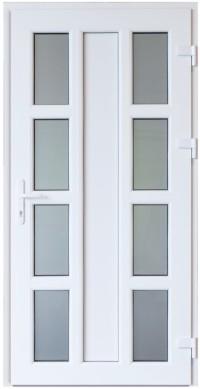 Balta krāsa, dizains un papildu aprīkojums padara PVC durvis ideāli piemērotas jebkura veida arhitektūrai un interjera dizainam